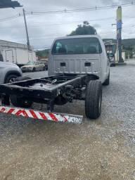 Ford F 350 chassis R$: 64.000 avista