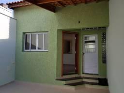 Excelente casa térrea/ 150 m²/ 3 Dorm./ Suíte/ 2 Vagas/ a 2 min do Centro