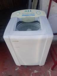 Vendo esta linda máquina de lavar tudo funcionando muito bem
