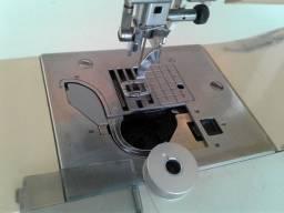 Máquina de bordar PC 8200 da Brother com defeito