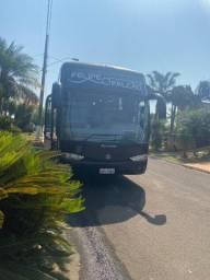 Vendo ônibus ou troco valor tabela fipe e 99.114,00 a vista 79.999,00 troca valor tabela