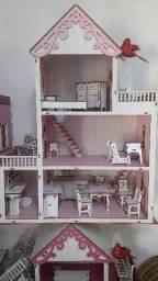 Casa de bonecas. MDF madeirado.