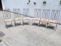 Cadeiras em Ferro Maciço