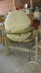 Betoneira 400 litros Monofásico bivolt Usada