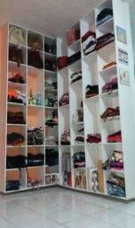 Vendo Loja com Produtos e Material