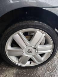 Vendo conjunto Roda liga leve megane com pneus