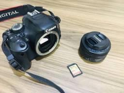 Câmera canon T3i - 600D EOS rebel (mem card 64gb + Lente 50mm + bolsa)