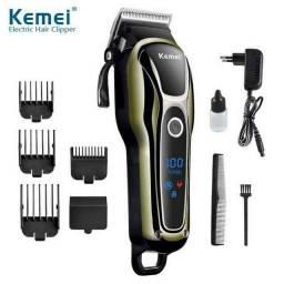 Máquina de cortar cabelo Kemei TURBO sem fio.