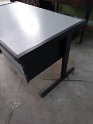 Escrivaninha escritório usada