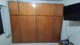 Guarda Roupa Casal- 6 portas, todo em madeira