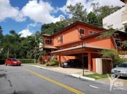 Casa em condomínio residencial com 4 quartos sendo 4 suítes