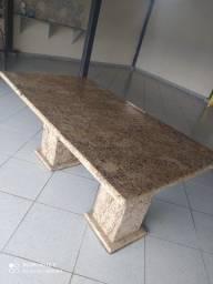 Mesa em granito