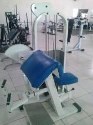 Máquina Bíceps Scott Placas - Academia