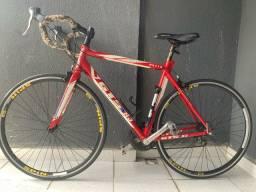 Bicicleta speed gts R3 triathlon