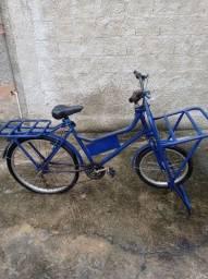 Bicicleta de carga linda de mais