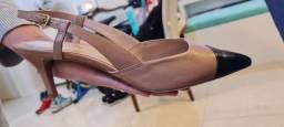 Título do anúncio: Sapato Scarpin Slingback Arezzo Novo na caixa sem uso tamanho 37
