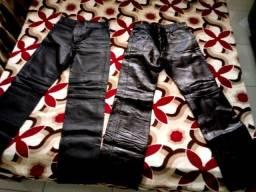 calças em couro