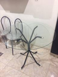 Vendo mesa de vidro com cadeira 150,00