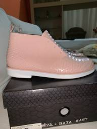 Dois sapatos Melissa original