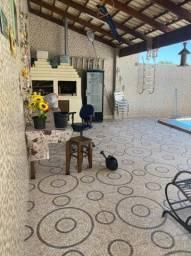 casa reformada de 4 qts sendo 3 suítes, com piscina e área de churrasco