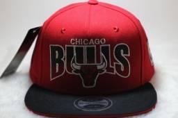 Boné NBA Chicago Bulls  Aba Reta - Snapback Vermelho