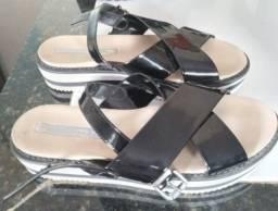 Sandália Flatform Moleca X Preta e Branca
