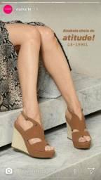 Sandália linda número 35