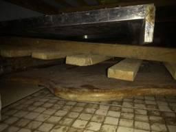 Vendo cama de angelim solteiro madeira boa pra quem conhece sabe
