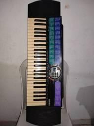 Teclado Musical Yamaha - PSR-77