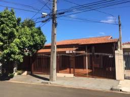Casa para alugar com 4 dormitórios em Champagnat, Londrina cod:9250