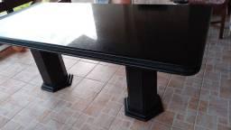 Mesa em marmore preta