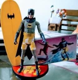 Boneco Batman Classic Tv Series - Surf's Up Batman Mattel