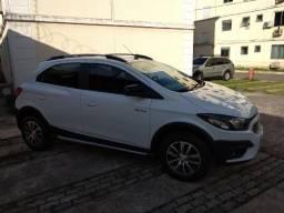 Chevrolet Onix Activ 1.4 semi-novo - 2017