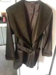 Casaco de plush importado, usado uma vez