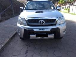 Toyota Hilux SRV D4-D 4x4 3.0 TDI Diesel - 2011/11 - 2011