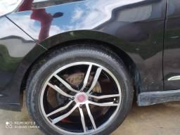 Rodas aro 17 com dois pneus novos e dois usados