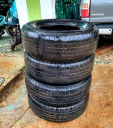 Pneu 265x70x16 Bridgestone