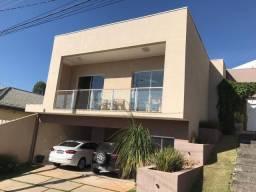 Casa nova, 3 suítes, completa, no condomínio Coleginho