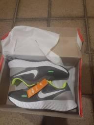 Tênis Nike Unissex 38