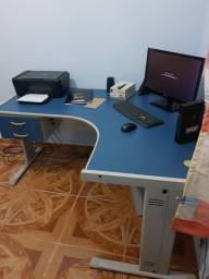 Mesa de escritório para computador