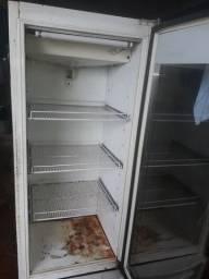 Vendo um freezer metalfril