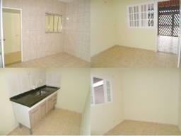 Alugo Casa 02 quartos , garagem Santa Tereza Rio Gde da Serra próx. de comércio em geral