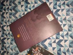 Livro, A Casa de Hades, Sem Defeito