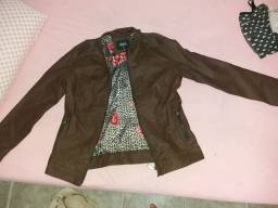 Jaqueta / Casaco feminino couro R$ 60,00