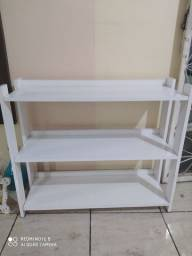 Estante branca minimalista