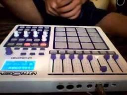 Controladora DJ NITROGEN 16 DA WALDMAN