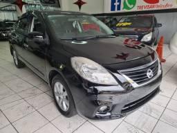 Nissan Versa 1.6 SL Completo