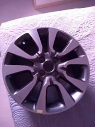 Vendo UMA roda do HB20X nova aro 16