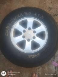Roda com pneu pajero sport 2008