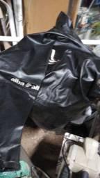 Roupa de motociclista profissional da avg, com todas as proteçoes